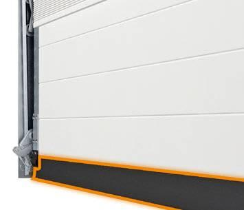 Безпека та функціональність гаражних секційних воріт UniTherm. Подвійне ущільнення по нижньому куті