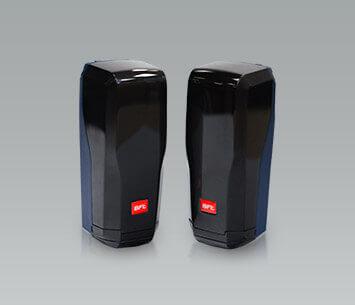 Фотоелементи забезпечують зупинку відкатних воріт та їх повернення у відкрите положення