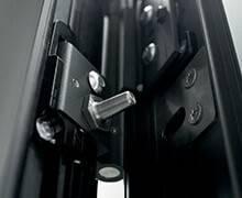 Вхідні алюмінієві двері Creo wisniowski. Протизнімні штирі