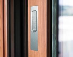 Алюмінієві терасні двері wisniowski. Одностороння врізна ручка