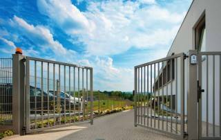 Промислові розпашні ворота та хвіртки wisniowski системи BASTION-1