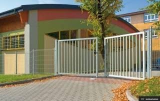 Промислові розпашні ворота та хвіртки wisniowski системи BASTION-3