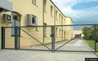 Промислові розпашні ворота та хвіртки wisniowski системи BASTION-5
