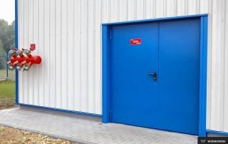 Сталеві суцільні внутрішні двері wisniowski-17