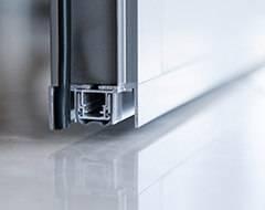 Алюмінієві протипожежні двері wisniowski - поріг, який автоматично опускається