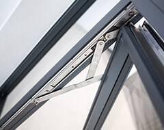 Відкидне сталеве вікно Arte яке відкривається на зовні для промисловості