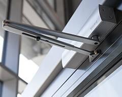 Сталеві протипожежні профільні двері wisniowski - доводчик з важелем тяги