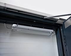 Суцільні сталеві двері wisniowski. Система подачі повітря