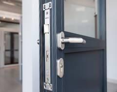 Сталеві протипожежні профільні двері wisniowski - замок з однією точкою замикання