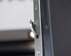 Бокові алюмінієві панельні двері wisniowski. Багатоточковий замок