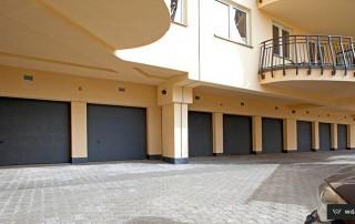 Секційні гаражні ворота UniPro для дому wisniowski-31