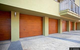 Секційні гаражні ворота UniPro для дому wisniowski-34