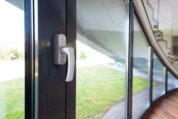 Універсальні алюмінієві вікна