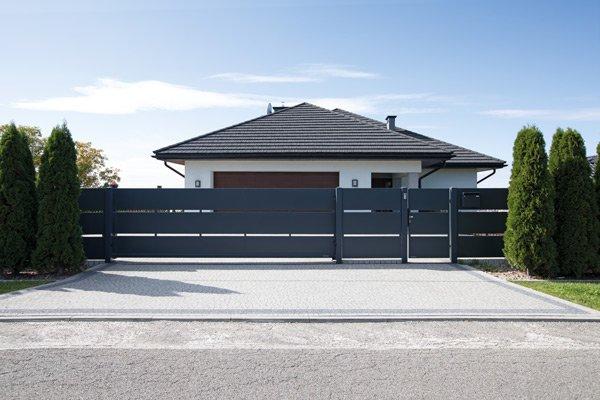 В'їзні ворота для дому
