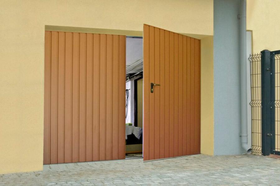 Якісні розпашні гаражні ворота