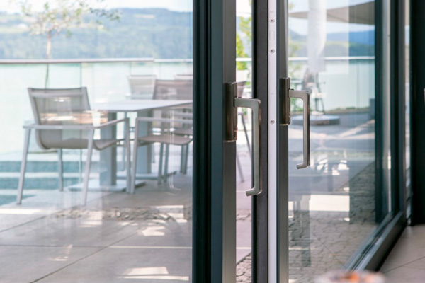 Функціональні терасні двері